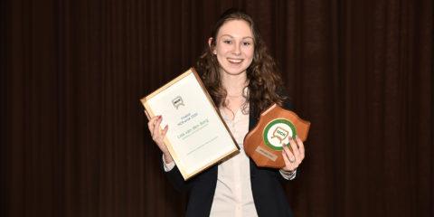 Lisa wint MCR-prijs 2020   STC mbo college